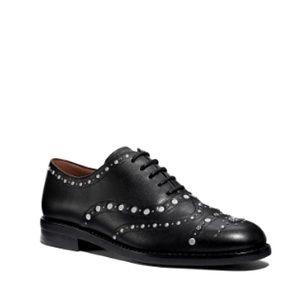 Coach: Black Leather Oxford Tegan Studded size 7.